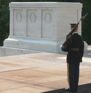 Tomb_of_the_Unknown_Soldier